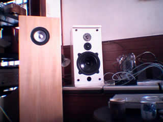 "[New and old 47 Labs standard monitor speakers. Watch for idiosyncratic ""stress-free"" wiring resistors), Yoshida (amplifier wiring) from left to right]"