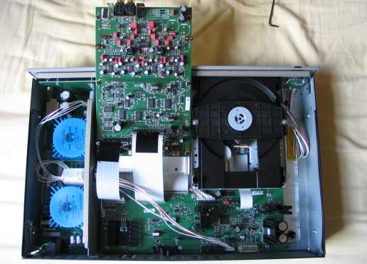 [Arcam FMJ CD 36 internal view]