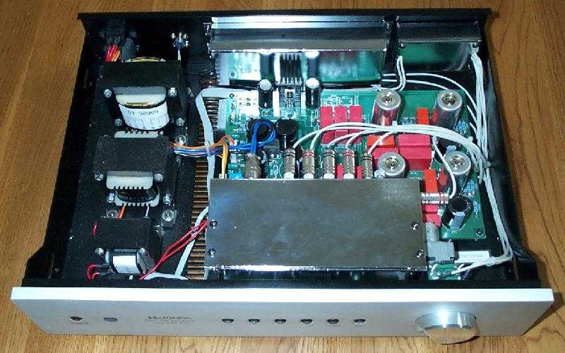 [Interno del preamplificatore Music Envoy]