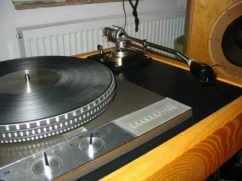 [Loricraft-Garrard 401 with SME3012/2 and bronze base]