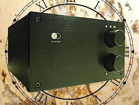 [Clones Audio 25i integrated amplifier]