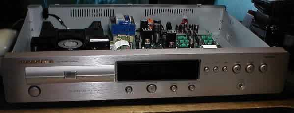 [Marantz CD6000 - front view (without top cover!)]
