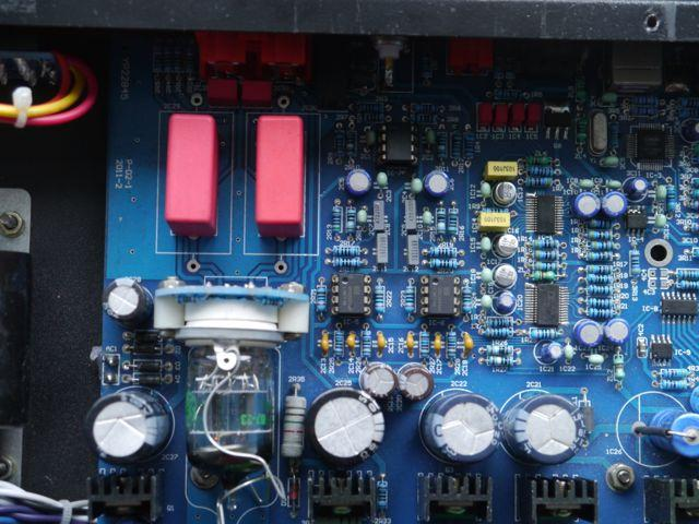 [Inside Maverick D2 with OPA2604 op amps]