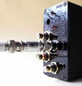 [RF Attenuator supplied with John Kenny SPDIF Mk 3 USB converter.]
