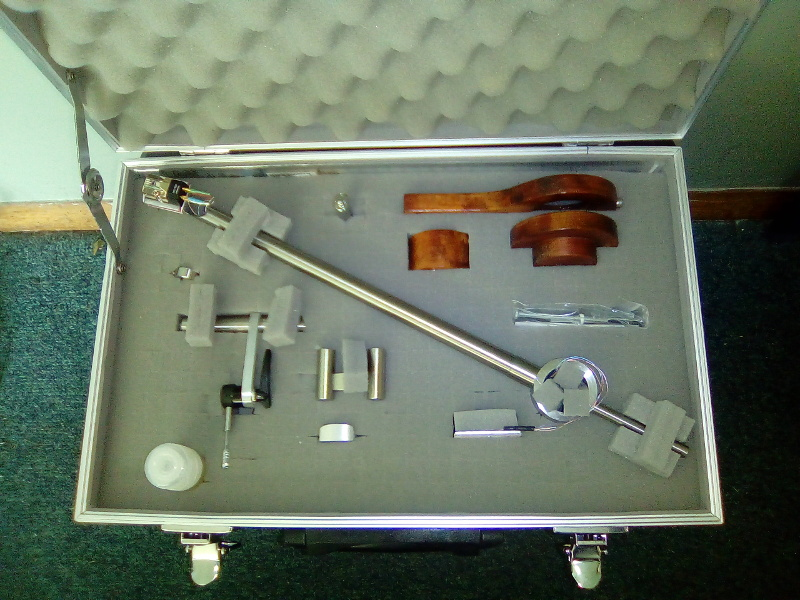 "[Temaad Audio Merlin Reference 12"" Titanium Tonearm Case]"