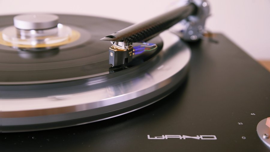 [The Wand turntable by Design Build Listen]